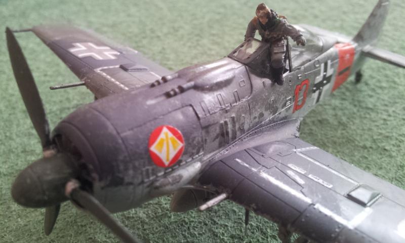 [Academy] Fockewulf Fw-190A8 2017-091