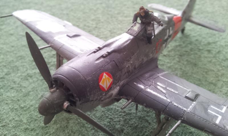 [Academy] Fockewulf Fw-190A8 2017-095