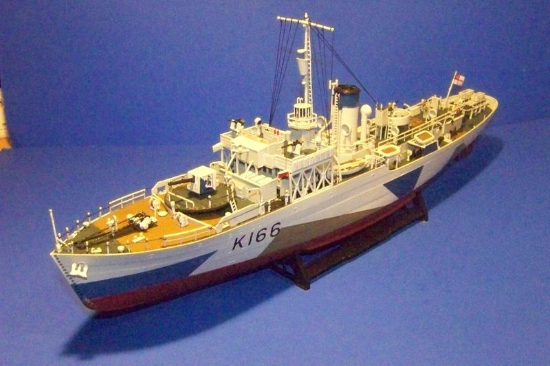 HMCS Snowberry von Revell in 1:144 100_3942