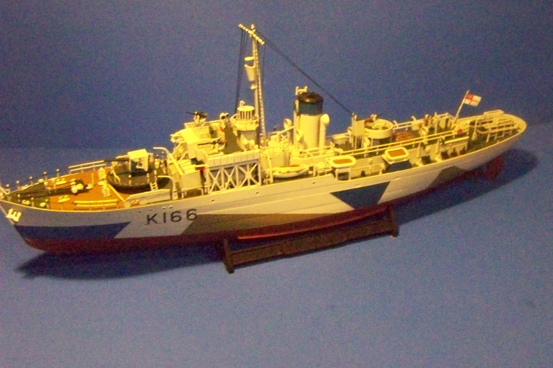 HMCS Snowberry von Revell in 1:144 100_3943
