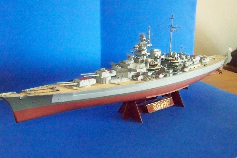 Meine Tirpitz in 1:350 von Tamiya 102_3910