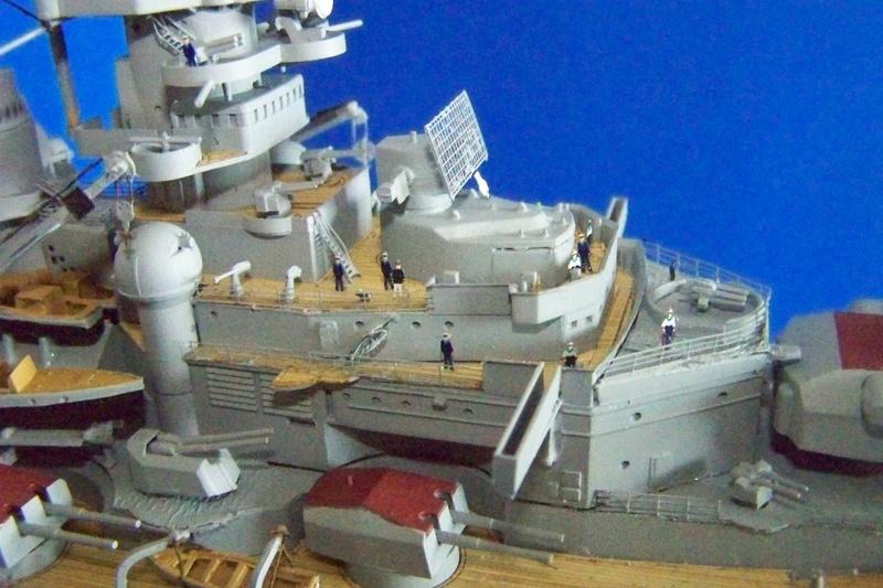 Meine Tirpitz in 1:350 von Tamiya 102_3912