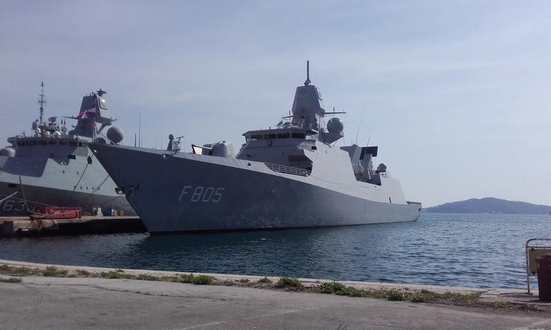 [LES PORTS MILITAIRES DE MÉTROPOLE] Mouvements de Bâtiments dans la rade de Toulon - Page 15 06513