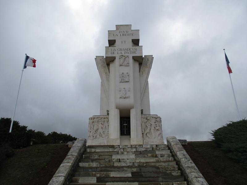 [ Histoires et histoire ] LES CIMETIÈRES MILITAIRES FRANCAIS 29310
