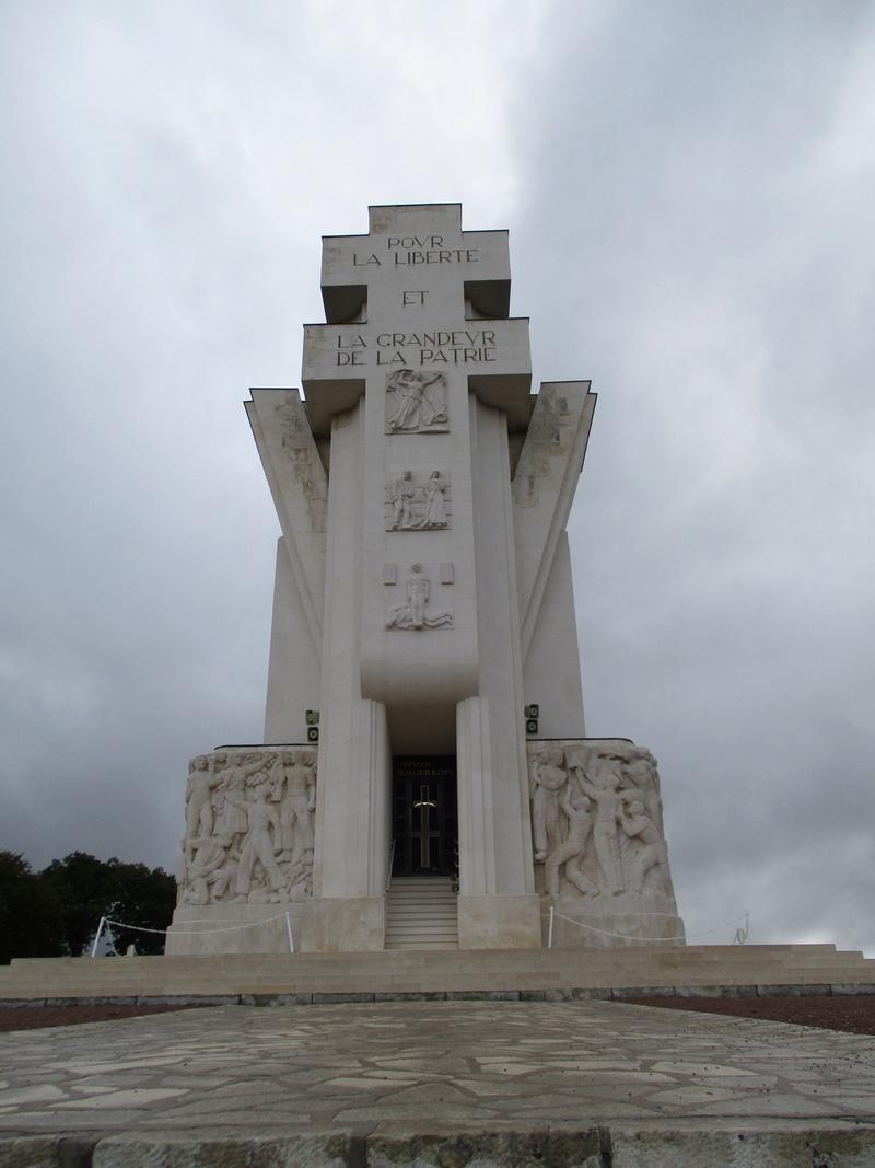 [ Histoires et histoire ] LES CIMETIÈRES MILITAIRES FRANCAIS 29410