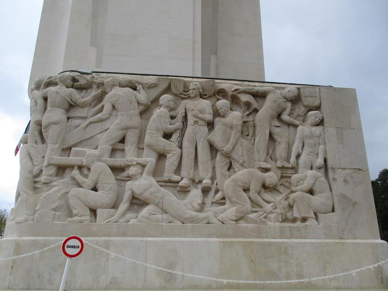 [ Histoires et histoire ] LES CIMETIÈRES MILITAIRES FRANCAIS 29810