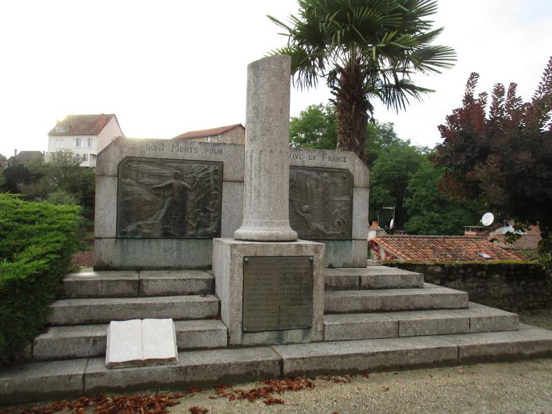 [ Histoires et histoire ] Monuments aux morts originaux Français Tome 2 - Page 2 33810