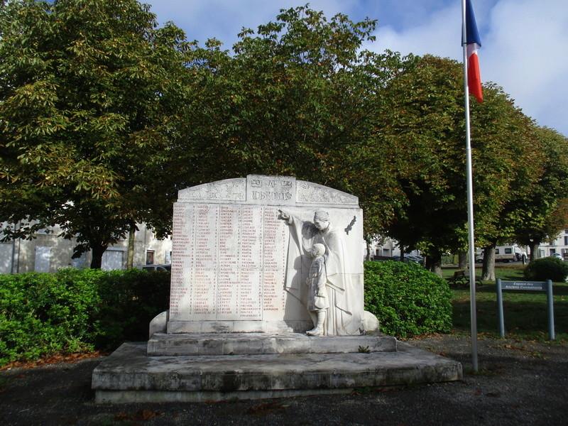 [ Histoires et histoire ] Monuments aux morts originaux Français Tome 2 47110
