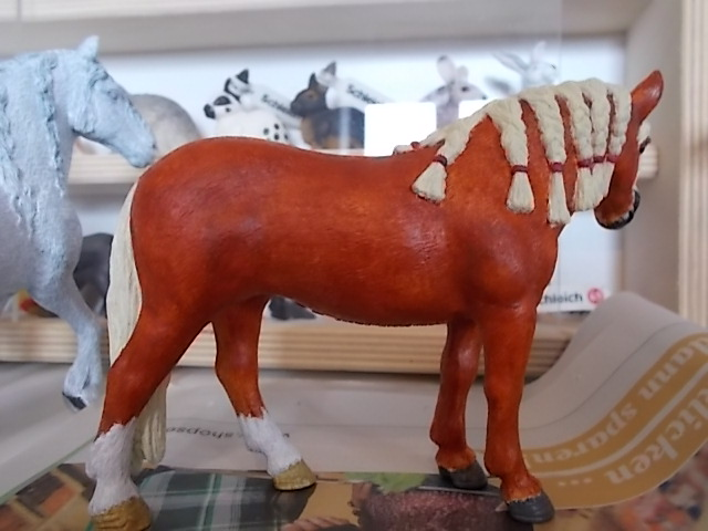 I started with repainting - Schleich horses Andalu12