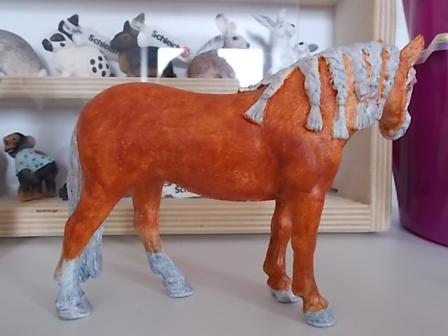 I started with repainting - Schleich horses Andalu13