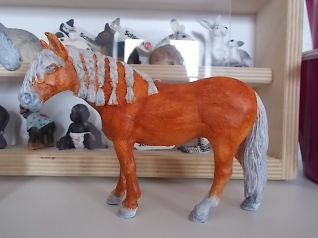 I started with repainting - Schleich horses Andalu14