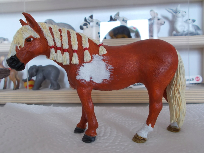 I started with repainting - Schleich horses Andalu15
