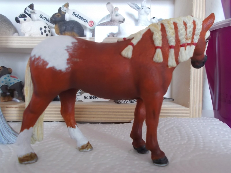 I started with repainting - Schleich horses Andalu19