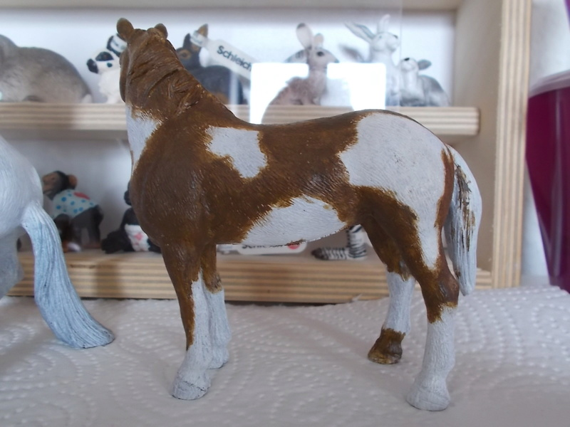 I started with repainting - Schleich horses Appalo11