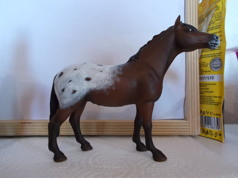 I started with repainting - Schleich horses Appalo14
