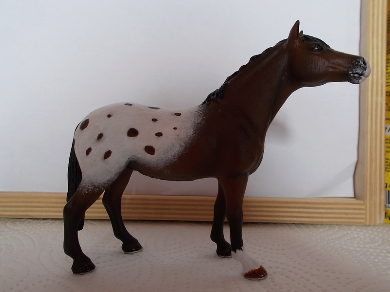 I started with repainting - Schleich horses Appalo18