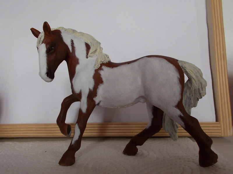 I started with repainting - Schleich horses Lusita11