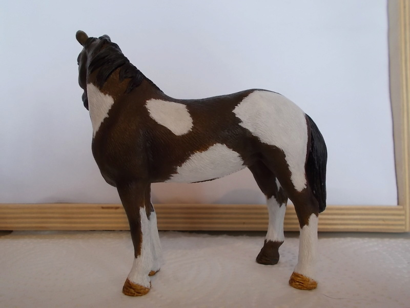 I started with repainting - Schleich horses Pinto_11