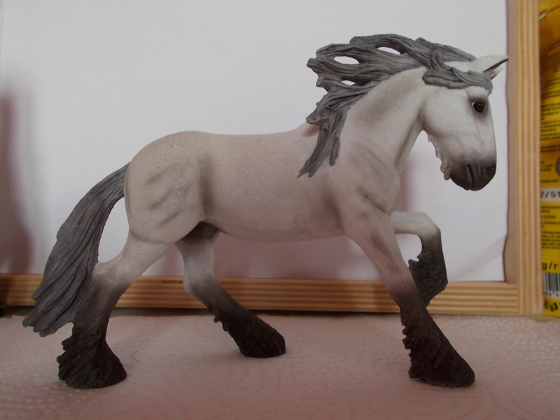 I started with repainting - Schleich horses Schimm21