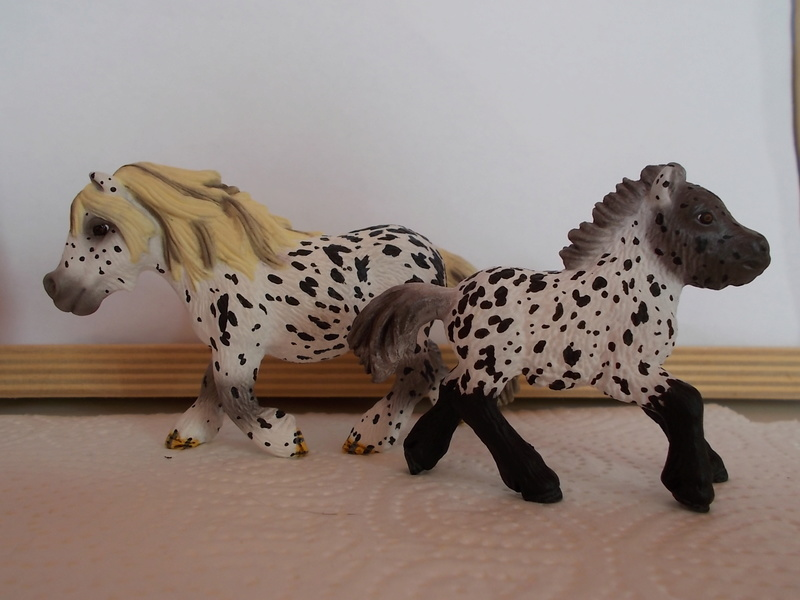 I started with repainting - Schleich horses Tigers13