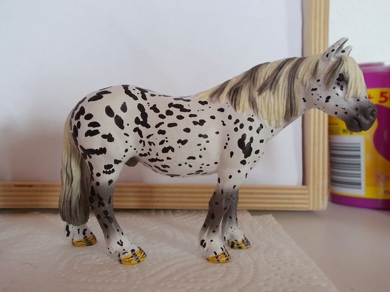 I started with repainting - Schleich horses Tigers15