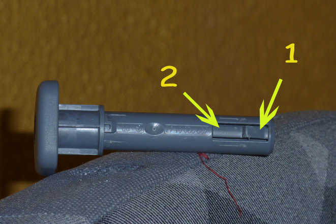 demontage accoudoir - Siège AV. MB W639 ,Démontage : Garnitions plastiques. Z3_tig10