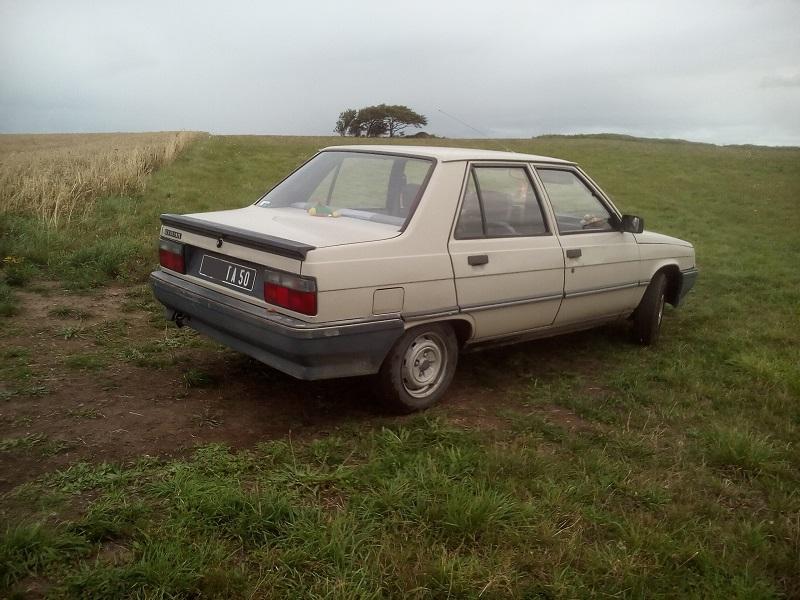 Renault 9 TL de .... mémé  411