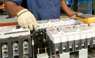 مصنع USINE ELECTRIQUE لانتاج اجهزة قاطع التيار الكهربائي : توظيف 40 منصب عاملة تركيب بالدارالبيضاء    Usine-10