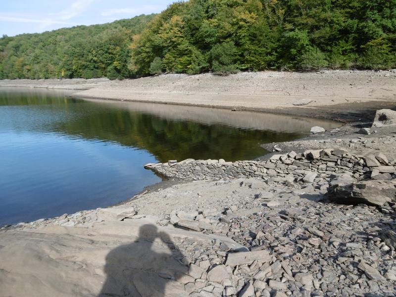 Lac à moins 8 mètres en 2017  P1000611