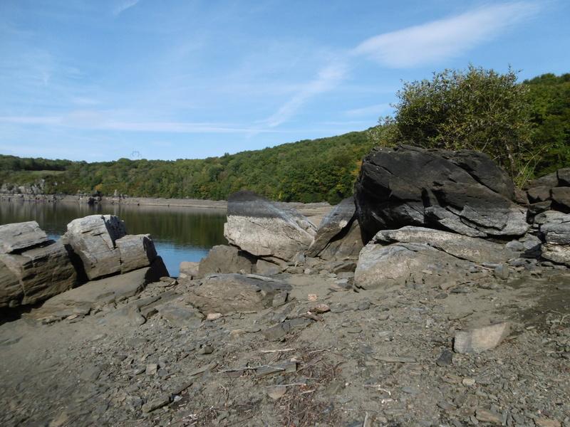 Lac à moins 8 mètres en 2017  P1000614