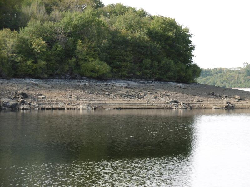 Lac à moins 8 mètres en 2017  P1000619