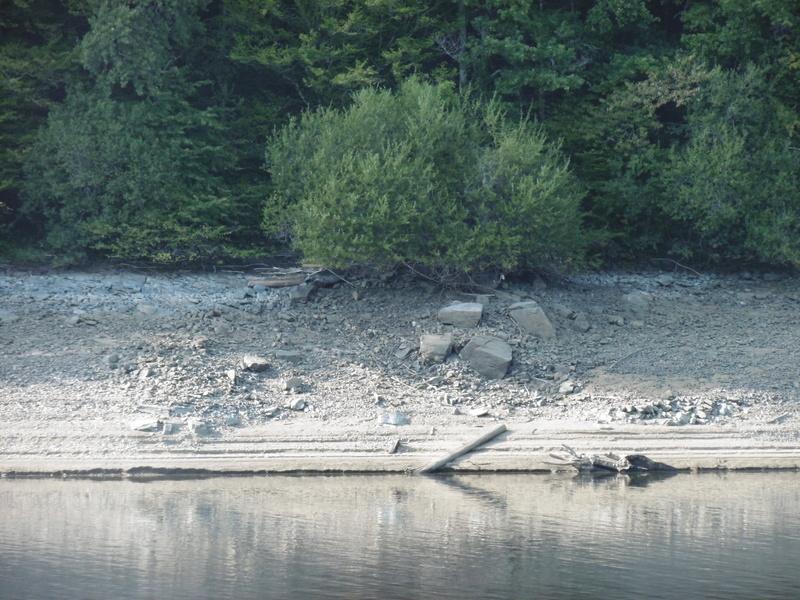 Lac à moins 8 mètres en 2017  P1000626
