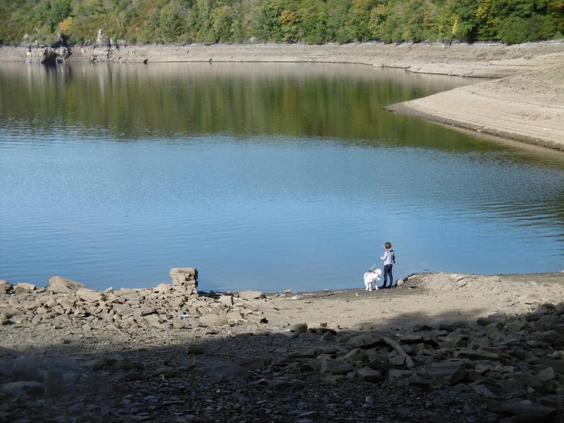 Lac à moins 8 mètres en 2017  P1000627