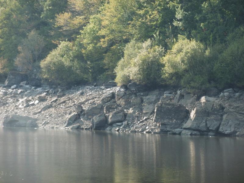 Lac à moins 8 mètres en 2017  P1000629
