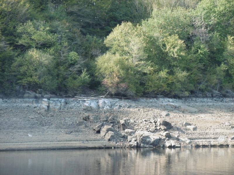 Lac à moins 8 mètres en 2017  P1000630