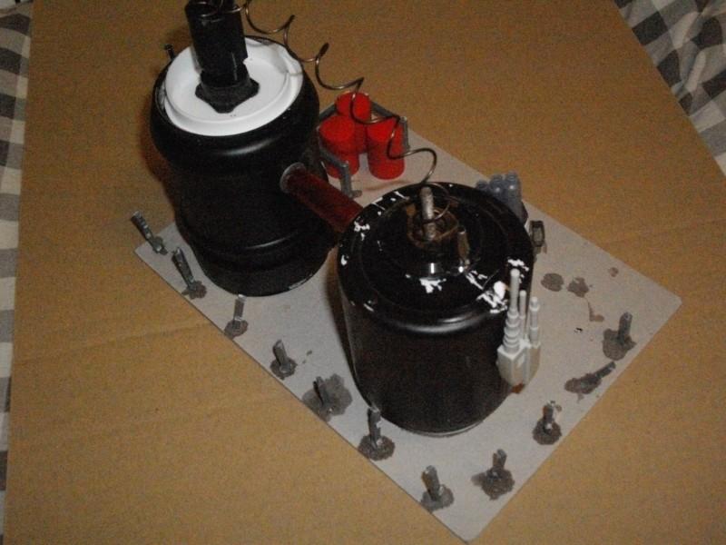 [Création] Décors divers (module de pompage, hangar, colonnes filtrantes ...) Imgp2520