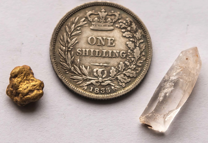 Gold of many types Finds-10