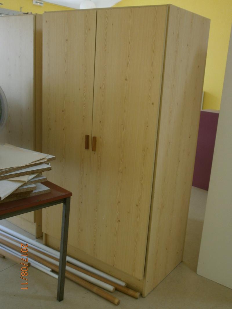 une école est détruite  P8110713