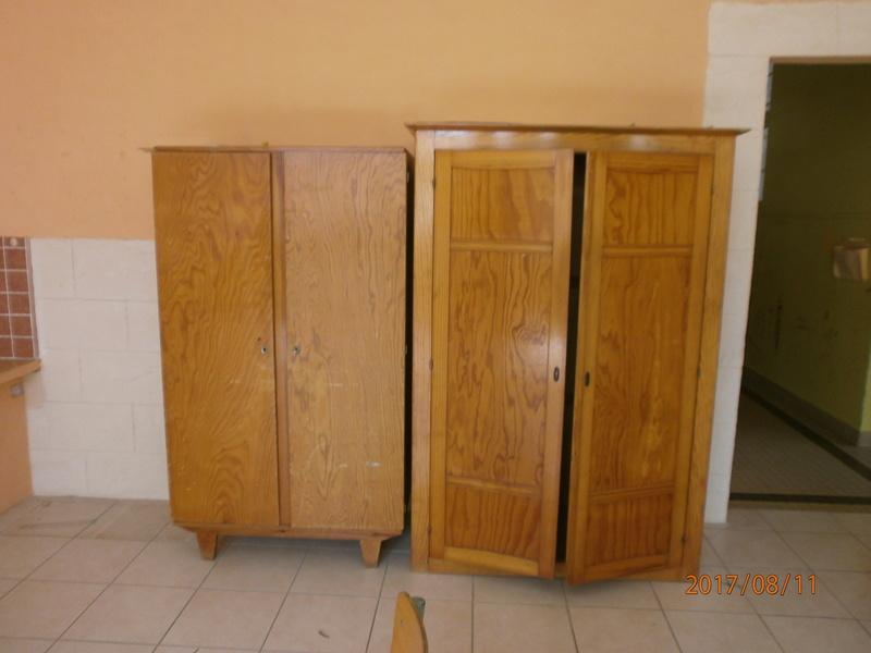 une école est détruite  P8110714