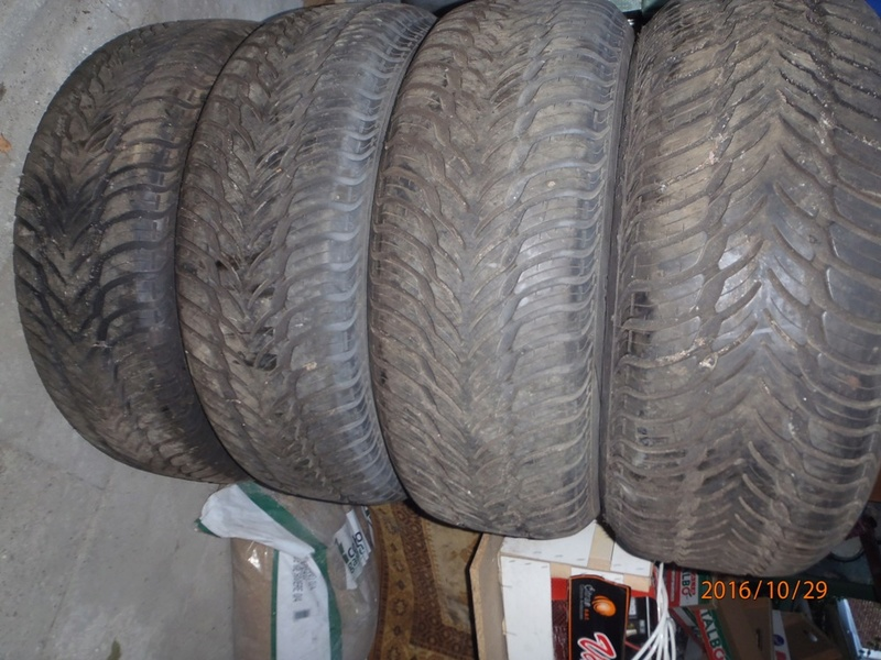 AH les pneus les pneus les pneus Pa290012