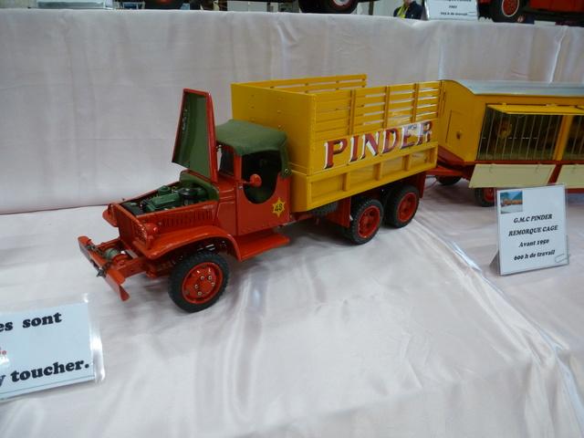"Superbes véhicules du cirque ""Pinder"" P1100928"