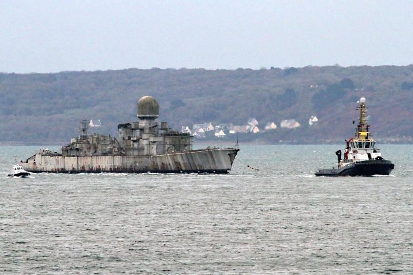 [Autre sujet Marine Nationale] Démantèlement, déconstruction des navires - TOME 2 46661010