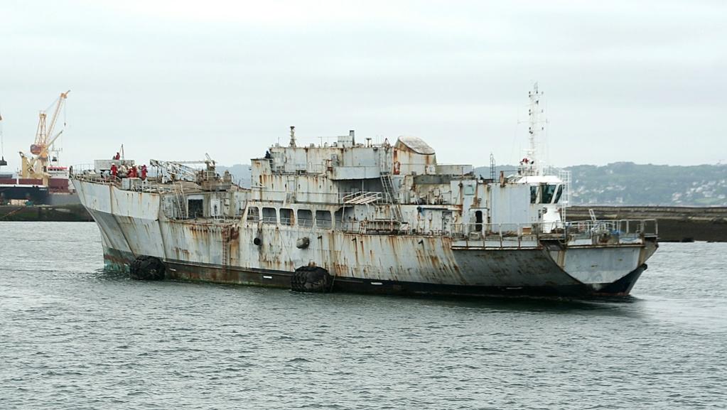 [Autre sujet Marine Nationale] Démantèlement, déconstruction des navires - TOME 2 - Page 6 5_q85310