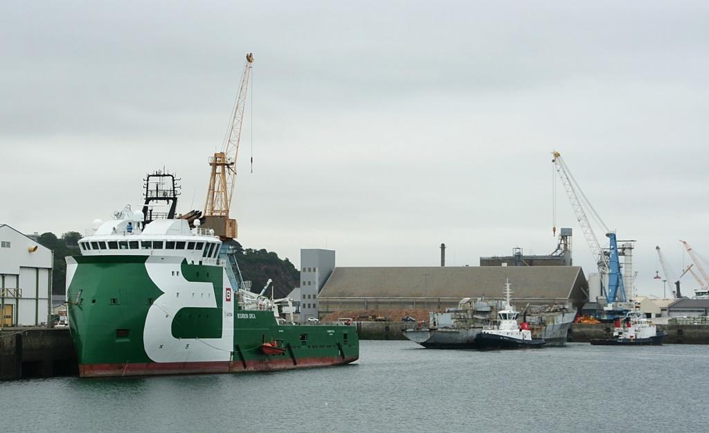[Autre sujet Marine Nationale] Démantèlement, déconstruction des navires - TOME 2 - Page 6 8_bour10