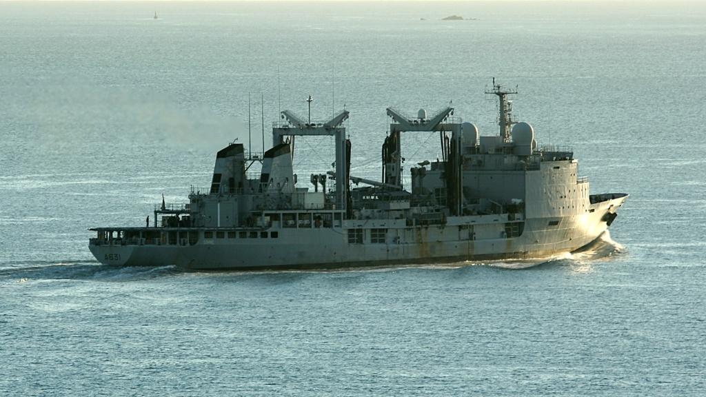 [Les ports militaires de métropole] Port de BREST - TOME 2 - Page 40 A631_b10