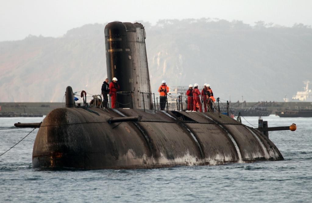 [Autre sujet Marine Nationale] Démantèlement, déconstruction des navires - TOME 2 - Page 7 B_q83610