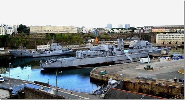[Autre sujet Marine Nationale] Démantèlement, déconstruction des navires - TOME 2 - Page 40 Cid_1310