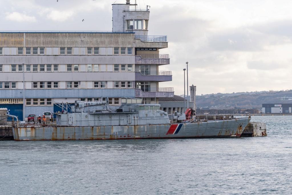 [Autre sujet Marine Nationale] Démantèlement, déconstruction des navires - TOME 2 - Page 11 Glaive10