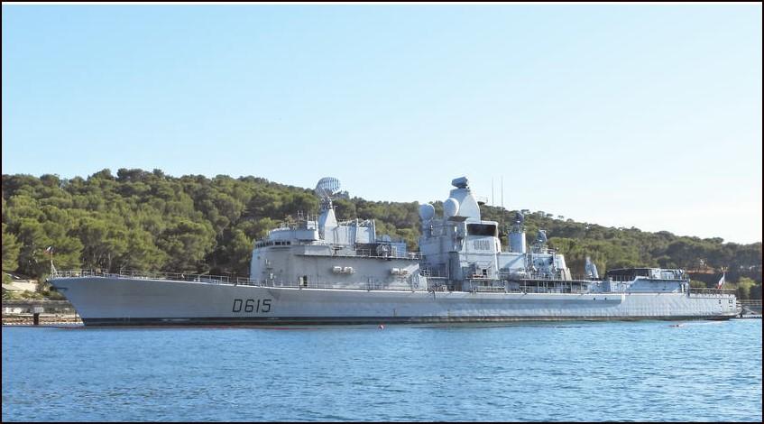 [Autre sujet Marine Nationale] Démantèlement, déconstruction des navires - TOME 2 - Page 26 Jb110