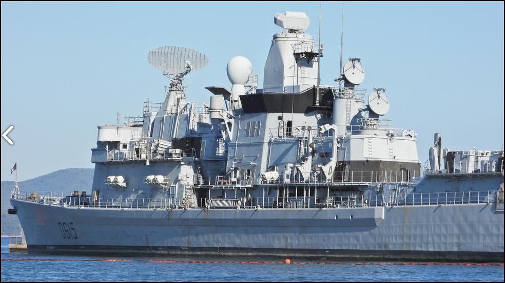 [Autre sujet Marine Nationale] Démantèlement, déconstruction des navires - TOME 2 - Page 26 Jb210